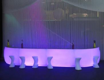 Combinación módulos rectos y curvos con luz lila